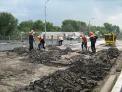 Две дорожные полосы на путепроводе по улице Калинина планируется сдать уже в этом году