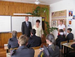 Владимир Ларионов провел открытый урок в 9 «Г» классе школы №11