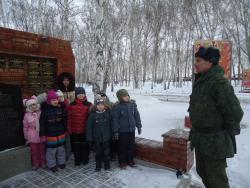 Воспитанники дошкольных учреждений Рубцовска побывали на экскурсии в воинской части
