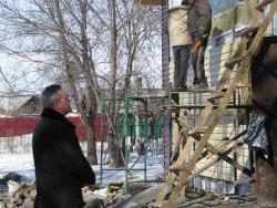 Владимир Ларионов держит на контроле ремонт дошкольного отделения при школе №18