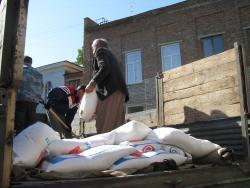 Землякам, пострадавшим от наводнения, отправлена машина с гуманитарной помощью из Рубцовска