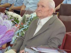 Участника Великой Отечественной войны поздравили с 90-летием